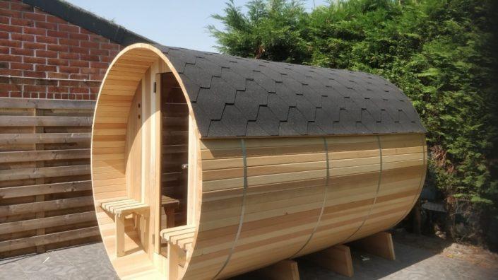 Barrel sauna met dakshingles